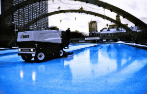A Zamboni works on ice near Toronto's City Hall. (Ryan Raz/Flickr Creative Commons)