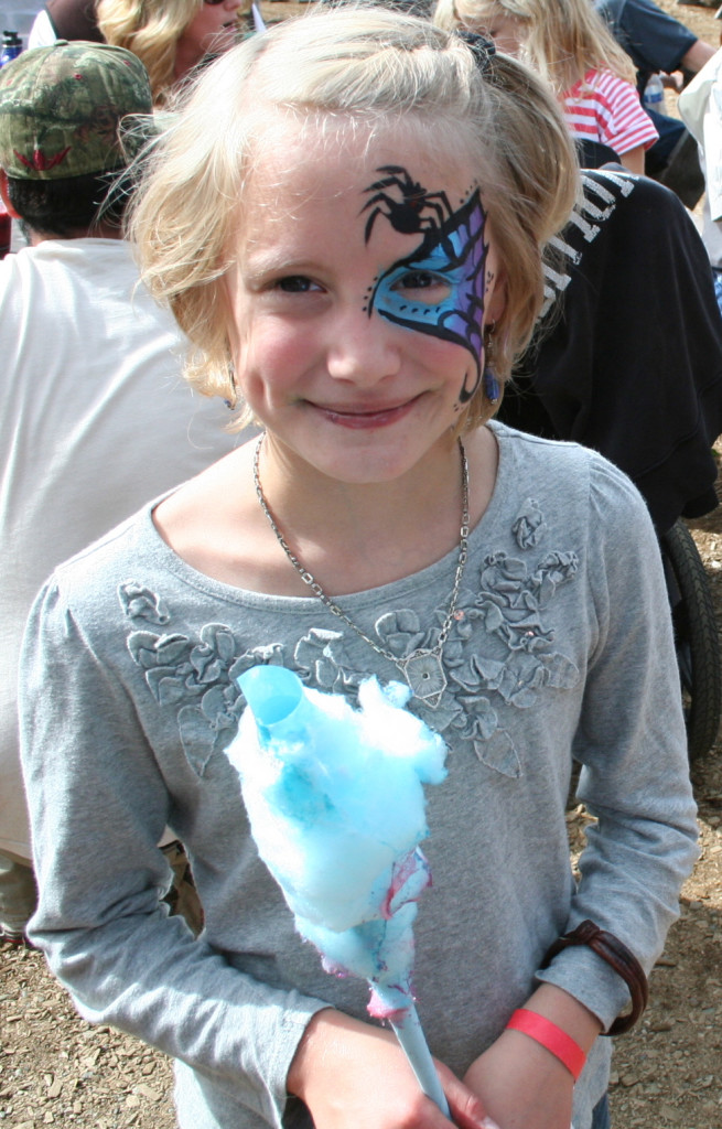 Face painting was one of the fair's many artistic offerings. (Greta Mart)