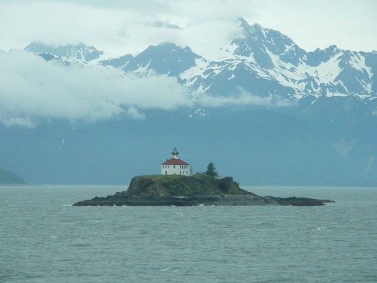Eldred Rock(Wikimedia Commons image by Ryan Harvey, Flickr, Alaska Cruise 2008)