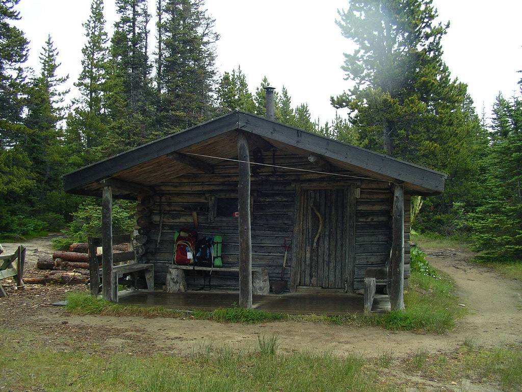 The cabin at Lindeman Lake on the Chilkoot Trail. (flickr, creative commons Joseph)