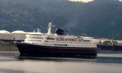 Skagway boat freed from rocks after ferry mishap