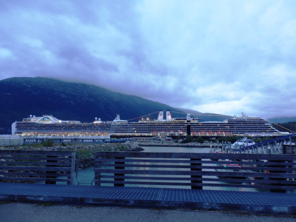 A cruise ship in Skagway in 2016. (Emily Files)