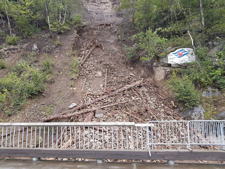 Rockslide near Skagway cruise dock causes two ships to relocate