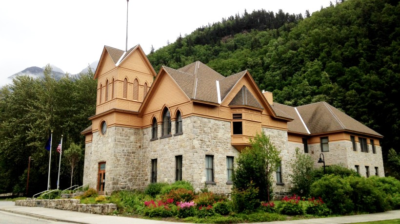 Ten applicants for Skagway Borough Manager
