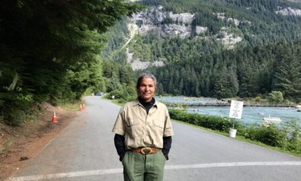 Keeping bears and people separate at Haines' Chilkoot River